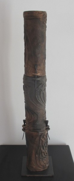 Totem 1, terracotta, sculpture, ceramic, Bérénice Fourmy, Outsider Art, Artcompulsion