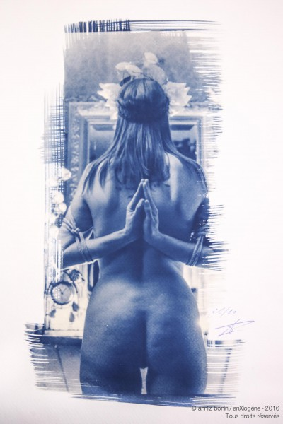 Reversed prayer 2, photography, cyanotype, Anxiogène