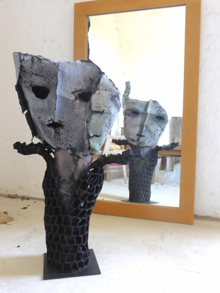 Victoire, Sculpture en feutre, Nadine Vergues, Outsider Art, Art Singulier, Art Contemporain, Artcompulsion