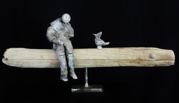 Le Misérable et l'oiseau, Ceramic on driftwood, Bérénice Fourmy, Contemporary Art, Artcompulsion